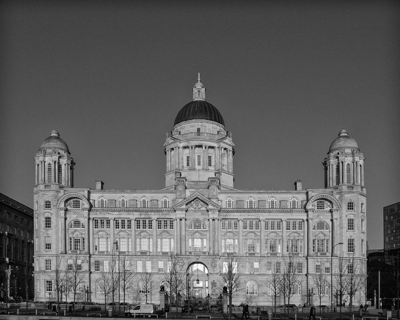 Mersey Docks & Harbour Board Building, Liverpool… Architects: Briggs & Wolstenholm and Hobbs & Thornely - 1903-07 Beautiful evening light gives the building the appearance of being floodlit.