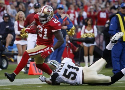 Frank Gore: Shifty and Smart [49ers.com]