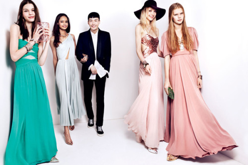 We found five of this season's best prom trends for every budget »