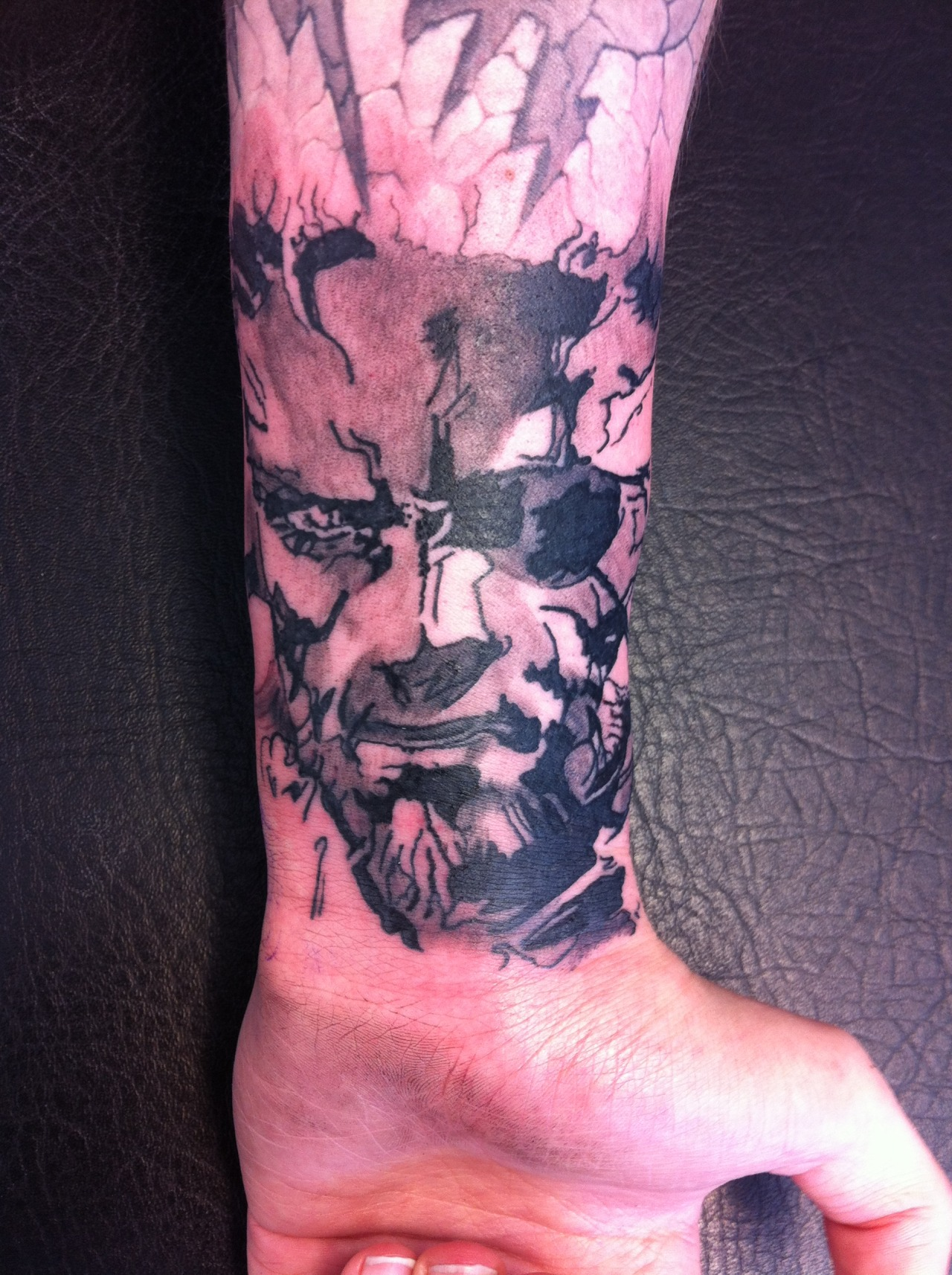 fuckyeahtattoos:  Solid Snake by Hilmi at Arkham Tattoo