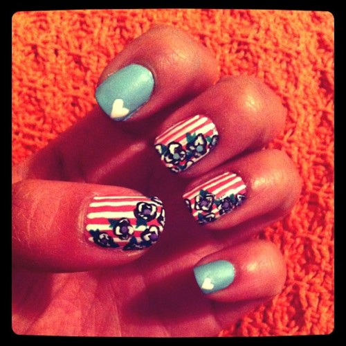 New nails for the new week. #nailart #naildesign #stripesandflowers #alittlebitoflove