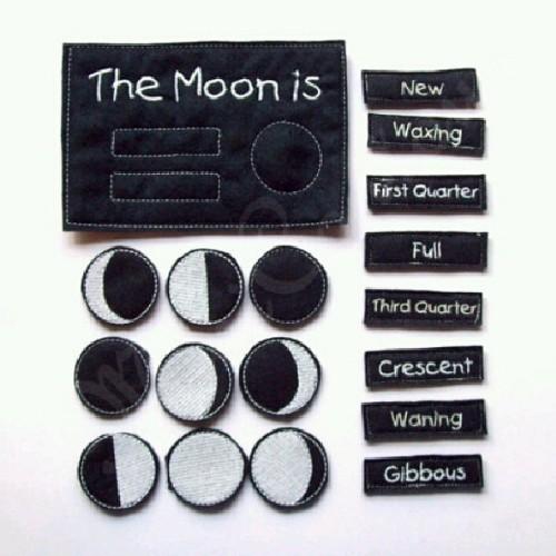 New pictures of the glow in the dark moon phase. #MiniContour #moonphasechart #ecofelt #ecofriendly #glowindark #moonfelt #moonphase #wahm #madeinusa #homemade #handmade #homeschool #montessori #etsy #zibbet  (at MiniContour)