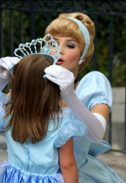 misseswilliamsons-disneydreams:  A crowning moment :)