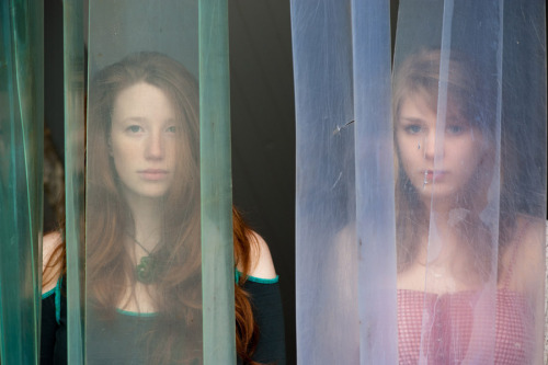 girls in the fridge (photo by Nicolas Ollier)