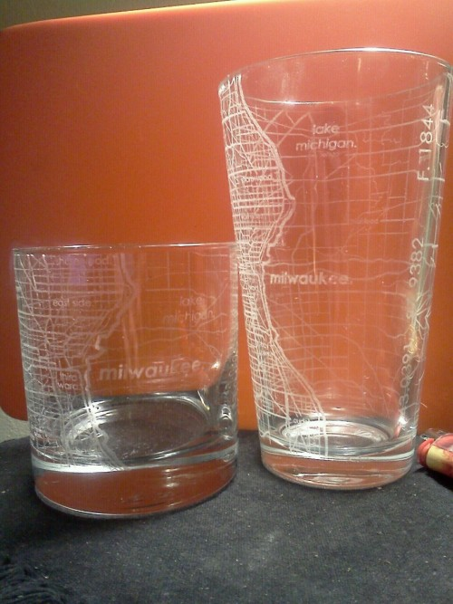 christmas present i got for my dad. milwaukee street maps pint & rocks glass. www.theuncommongreen.com/collections/street-maps-glassware