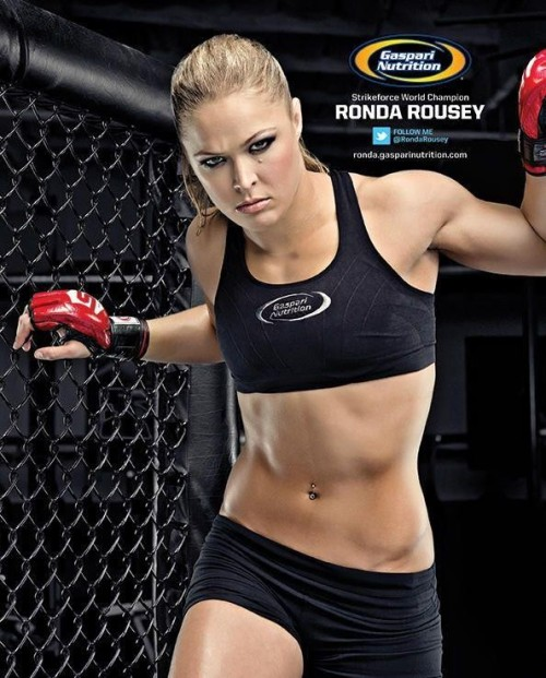 guyztalksports:  Ronda Rousey put on a show last night. As the first women's she delivered by winning in the first round via submission.
