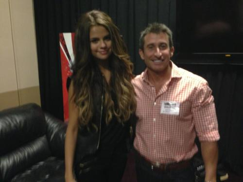 selgomez-news:  @BertShowBert:@SelGomezNewsCOM @selenagomez and another for ya. pic.twitter.com/EdJZ4sSkss