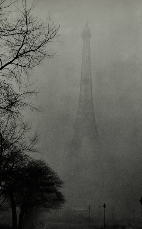 gueule-de-loupviolette:  La tour Eiffel dans le Brouillard , Paris ( 1930s).  My friends went to Paris for their honeymoon. I can't wait to hear all about it.