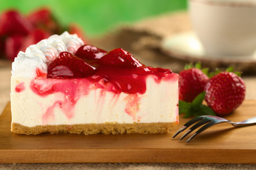 thecakebar:  Easy, Fast, No bake Strawberry Cheesecake Recipe