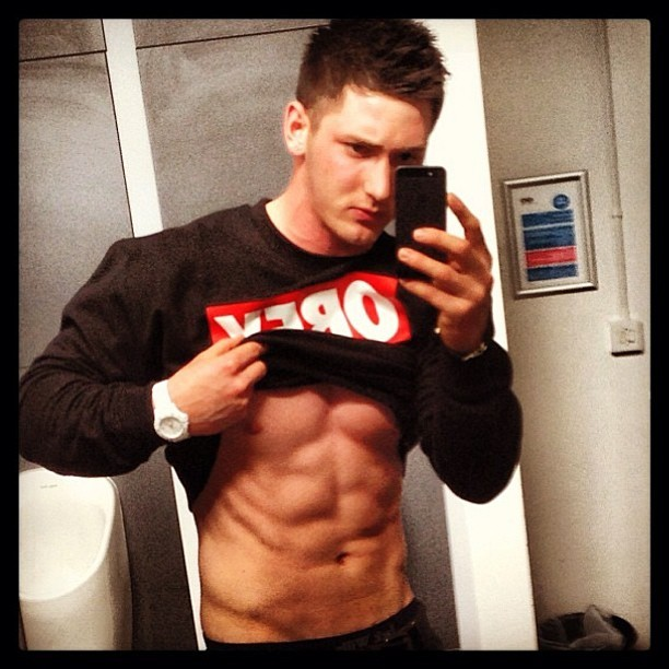 Give this sexy lad a follow @chrisorgan #fitness #gym #workout #model #abs #shredded #sexy #muscle #fitbufflads