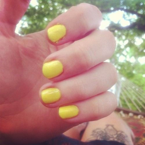 i am all about yellow nails this week. #sunshineonmyfingertips #jux