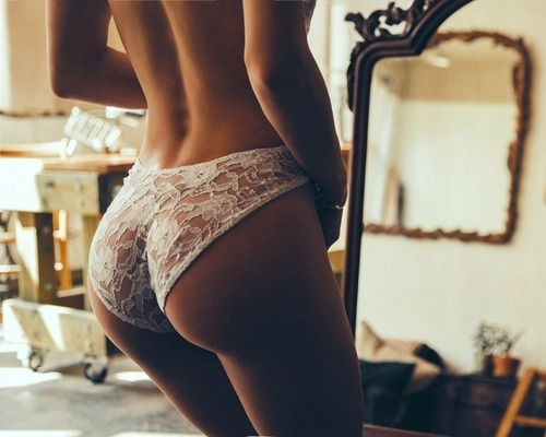 fitandhealthyforlifee:  damn her booty is be-u-tiful