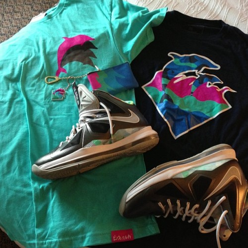 "tezbanga:  on my @youngjuanedwards shit #pinkdolphin legendary tees, #lebronX ""new years day/prizm"" #pinkdolphin coin pouch & keychain set s/o @kimistry715 #pdc #legendpoints .. they aint ready for this #STL shit #blatt #kicksoftheday #igsneakerheads #hypebeast #igsneakercommunity #kicksonfire #wearyourshoes #sneakergods #shoegamekillintheseniggas #187sneakergame #heatonmyfeet #flyshitonly #walklikeus #igsneakerhead #snkrfrks #sneakerfreaker #flykicksonly #kotd #thankyoushoegods #straightheat #sneaksonfeet #feetheat #jordandepot #shewzlife #lshoegamefuckedup #MJ50 #sneakerfiles #kickstagram #sneakermates #wdywt #shoeporn (at Hilton Garden Inn Orlando East/UCF)"