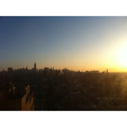 "And this is what we like to call ""the ass crack of dawn"" #sunrise #nyc #skyline"