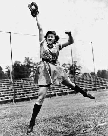 modcloth:  Baseball player Dorothy Kamenshek played for the Rockford Illinois Peaches between 1943 and 1953. Team name sound familiar? The adventures of Kamenshek and her teammates inspired the film A League of Their Own! (via Britannica)  I love that movie! This is cool