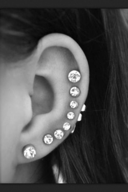 pitch-perfect-bitches:  I want to get this done to my ear!!!