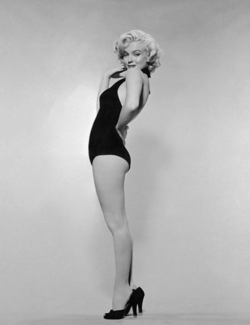 pinupgirlsart:  Marilyn Monroe - Miss Naval Air Station Photoshoot 1952
