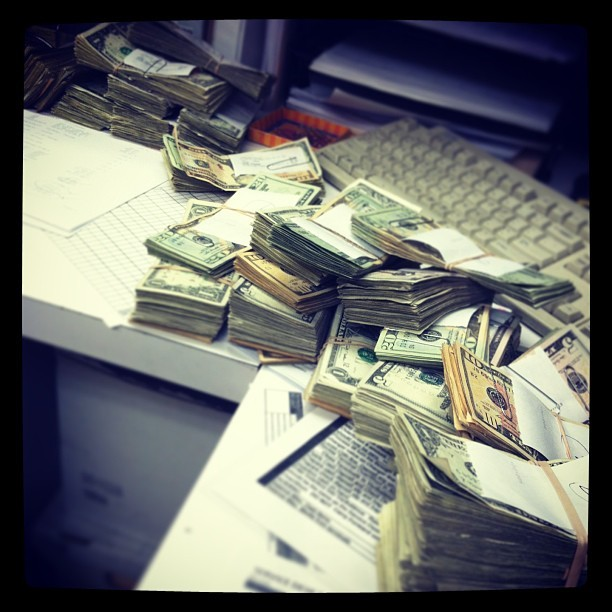 What I see everyday at #work. It's just #paper to me now, doesn't even phase me anymore…. #ralphs #752 #instagram #money #dollabill (at Ralphs)