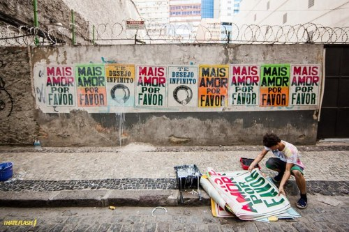 brazilwonders:  Mais amor, por favor. More love, please.