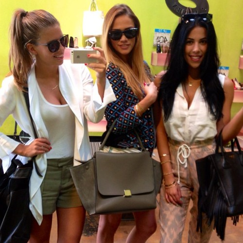 Shopping day with my bests  @babycak3ss @tashoakley 💛