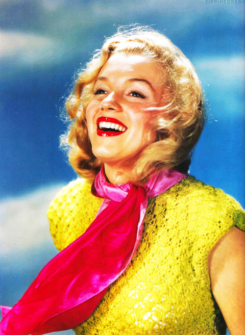 Marilyn Monroe by John Miehle, 1948.   This girl….