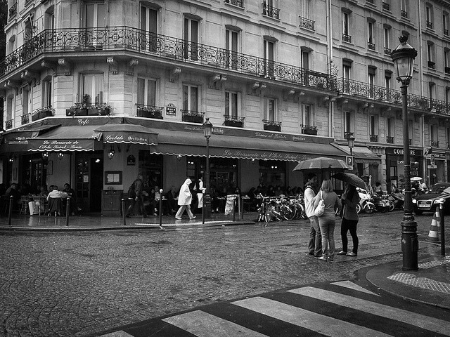 The Street Photography Journal by Julien NGUYEN-KIM on Flickr.