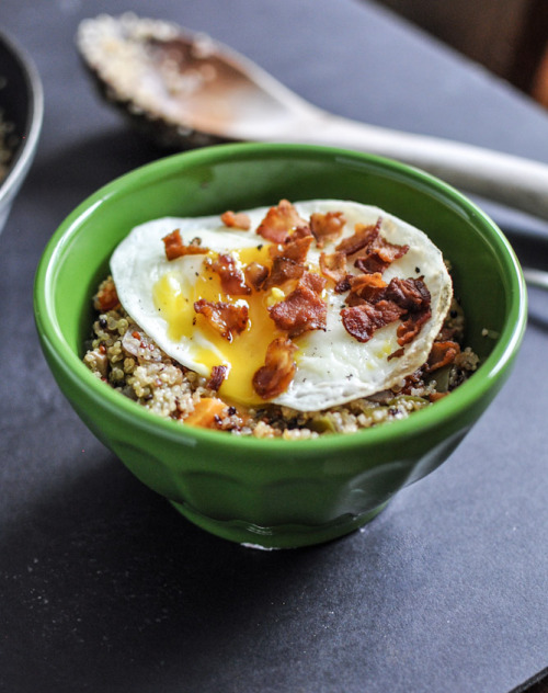 yummyinmytumbly:  Quinoa Breakfast Skillet with Fried Egg
