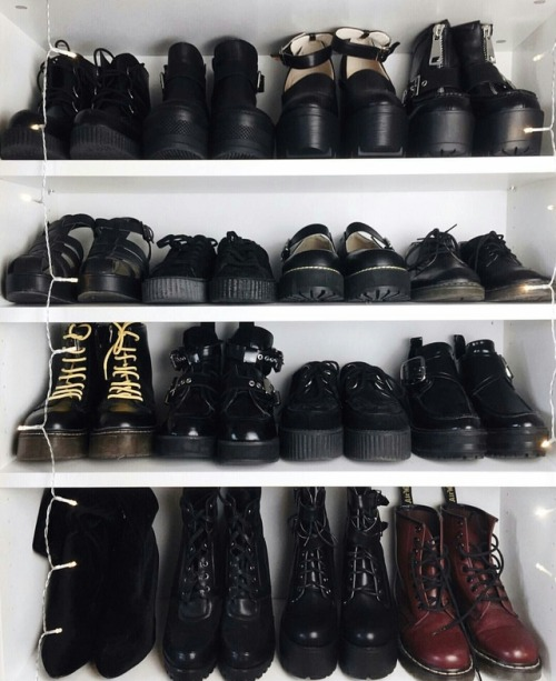 choes aestheitcs heaven love dr martens black grunge black aesthetic aesthetic account photography boots black boots dark fashion style street style like4like l4l likeforlike instant folllow back followbk follow4follow followforfollow