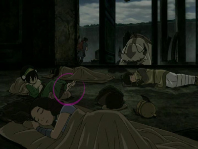 screamsflailsdiesetc:  atla-annotated:  This makes sense when you think about it: Toph sleeps with her feet off the ground XD  Oh my soul How did you ever even CATCH that little detail It's probably like The only shot of it But it is perfect and I thank you
