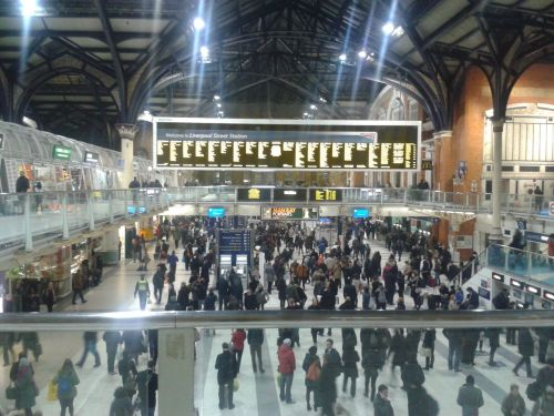 Liverpool Street Station, 19:06pm