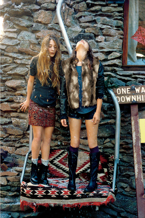 peachbliss:  Teresa Oman and Bambi Northwood-Blyth by Cass Bird