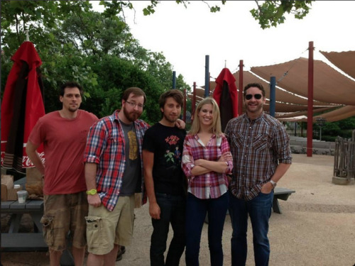 @BlawnDee: RT crew at @SF_FiestaTexas before riding the Iron Rattler. So jolly.
