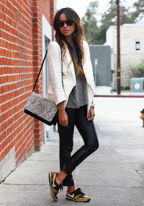 fashion-hits-the-city:  fashion revolution. on We Heart It. http://weheartit.com/entry/54363565/via/Aliaho