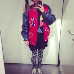 Day off #varsityjacket #letterman #juicegee #lazyoaf #nike #airmax #safari #sfbk #ootd