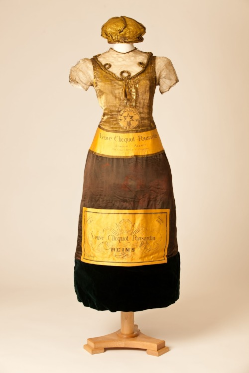 fripperiesandfobs:  Champagne bottle fancy dress, 1902 From the Fashion Museum, Bath via the Huffington Post