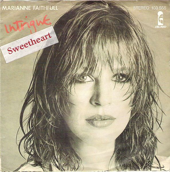 vinyloid:  Marianne Faithfull - Intrigue/Sweetheart