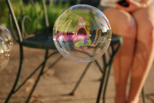 p4rticles:  he's in a bubble!