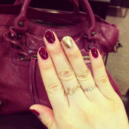 {purple rain} #instafashion #rings #jewelry #balenciaga #burgundy #gold #nail #manicure #purple #nails #fashion #essie #essienails #bahamama #bag #purse #city #love #initialring #initials #silver #girl