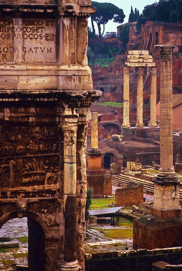 evocativesynthesis:  Roman Forum, Rome, Italy |  © Doug Hickok
