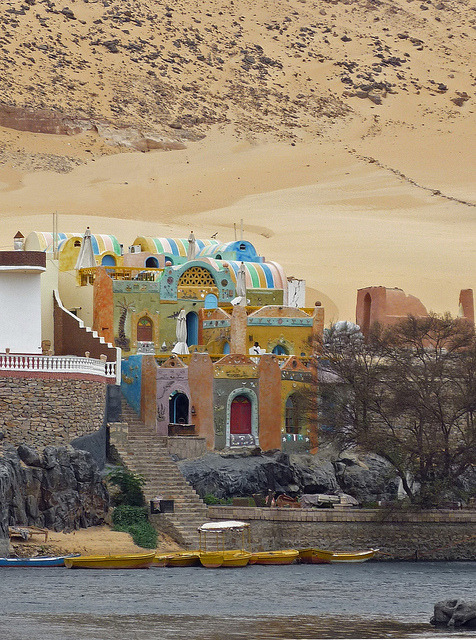visitheworld:  Nubian village on the banks of river Nile, Egypt (by Lau31).