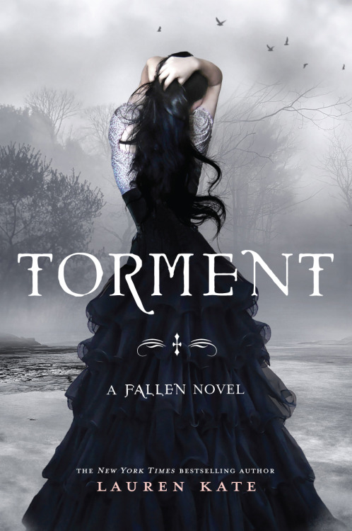 http://cabana-on.com/Ler/wp-content/uploads/2013/07/Lauren-Kate-Fallen-vol.2-Tormenta.pdf