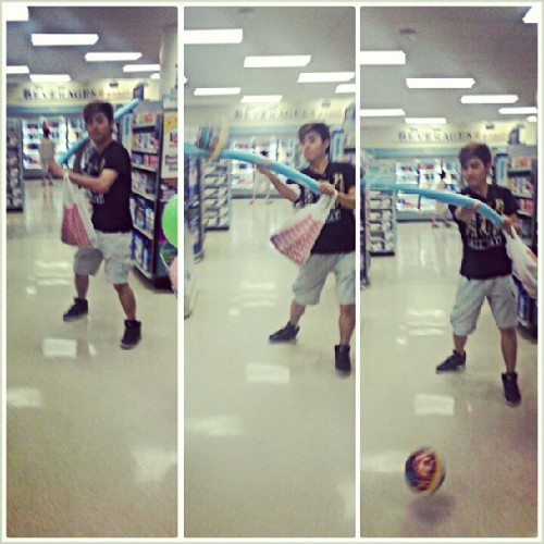 Yea we played baseball in Rite-aid..and what? We also watched iron 3, ate diddy reese, had starbucks and chipotle and made @bsocampo9  clean her room.  @jisoodances @tiny_dancer_93 @danbeeyun1122 #funday #actuallyhadlivestoday