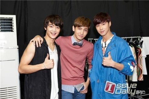 TVXQ & Minho - SMTOWN Live: Tour in Singapore & Bangkok (Backstage Photos)