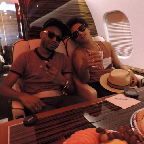 bruno-news:  @jamareoartis: Bruno and I #privatejet