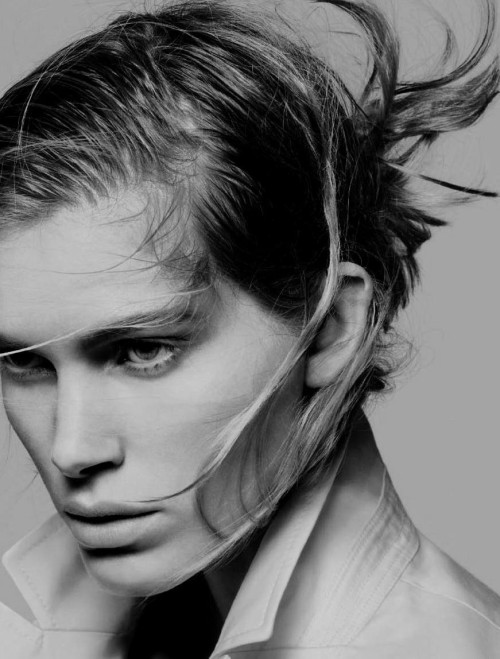 black-white-madness:  Madness:  Iselin Steiro by David Sims for +J Jil Sander for Uniqlo Spring/Summer 2010