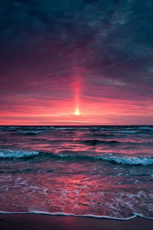 letdieyoung:  Beautiful Sunset sur @weheartit.com - http://whrt.it/SvI9AP  dear summer, can't wait to meet again, come soon.