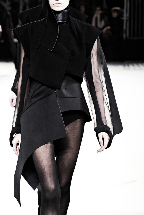 edge-to-edge:  Mugler Fall Winter 2012-13