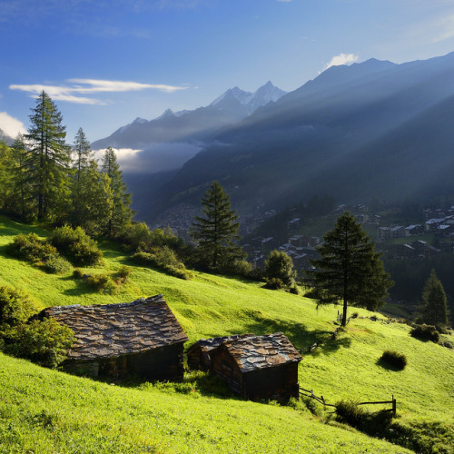 first sun rays in the valley, Zermatt by pierre hanquin on Flickr.