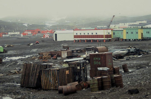 Antarctic Island Heavily Trashed There appears to be no limit to our polluting ways. At the multinational base at King George Island, in the South Shetland Islands just off the coast of the Antarctic Peninsula, tipping and unsafe storage practices have led to pollution — a new and damning report details these findings. Discovery News' Kieran Mulvaney led an expedition to the island in 1995 — it seems little has changed.