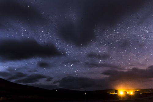 lain-travels:  at some point we stopped to take some stary pictures. Scotland has almost no light pollution so when the nights are clear you have perfect condition for this kind of stuff.